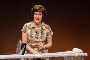 BWW Review: ERMA BOMBECK: AT WIT'S END at SHEA'S 710 THEATRE- As Funny as You Remember
