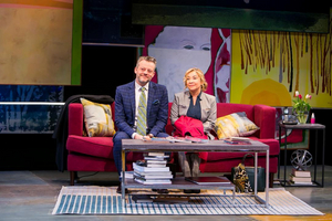 BWW Review: Redhouse Arts Center Delivers Knockout Comedic Performances in GOD OF CARNAGE