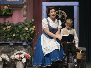 BWW Review: BEAUTY AND THE BEAST at ZAO THEATRE Gives us a Show That's Roughly the Size of a Barge