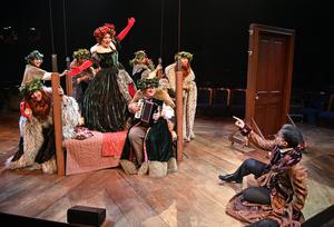 BWW Review: A CHRISTMAS CAROL Sings at TRINITY REP