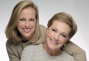 BWW Review: AN EVENING OF CONVERSATION WITH JULIE ANDREWS at Van Wezel Performing Arts Hall