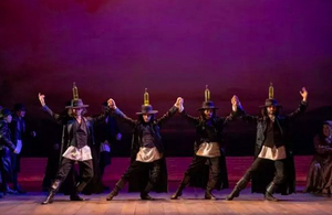 Review Roundup: National Tour of FIDDLER ON THE ROOF - What Do the Critics Think?