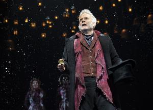 BWW TV: Broadway Walks the Red Carpet on Opening Night of  A CHRISTMAS CAROL