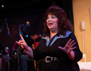 BWW Review: ALWAYS . . . PATSY CLINE at Virginia Rep At Hanover Tavern Delights Even with a Sub in the Title Role