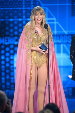 Taylor Swift, Billie Eilish Win Big at the 2019 AMAs - See the Full List of Winners!
