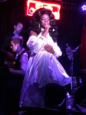 BWW Review: Sasha Davenport Is Fresh Off The Boat & Having A SASHA DAVENPORT AFFAIR & We all should keep Club Cumming back for more!