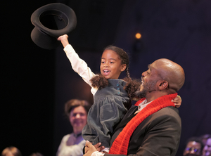 BWW Review: ZACH Theatre's  A CHRISTMAS CAROL  Perfect Holiday Entertainment
