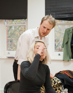 BWW Review: THE ENGAGEMENT, Bread And Roses Theatre