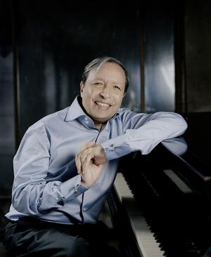 Soka Performing Arts Center Presents Piano Viruoso Murray Perahia