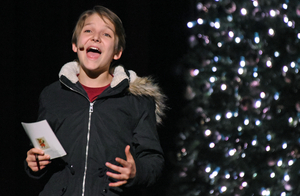 BWW Review: LOVE ACTUALLY LIVE Dazzles Audiences with Original Film Clips Immersed in an Entertaining Jukebox Musical