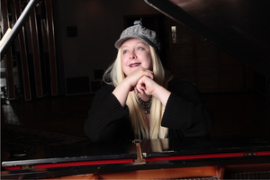 Katherine Farnham to Perform at the Steinway Gallery