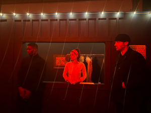BWW Review: Be Ready to Play Your Part at the CRIMSON CABARET, an Immersive Cold War Hotbed of Spy Intrigue