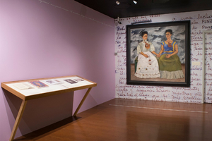 En el Museo de Arte Moderno permanece en exhibición Las dos Fridas. Historia de dos ciudades
