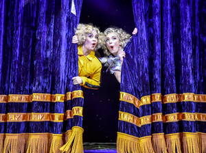 BWW Review: MAGIC GOES WRONG, Vaudeville Theatre