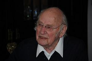 Franz Mazura, Celebrated Bass-Baritone, Has Died