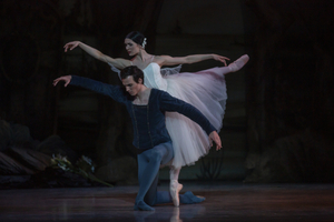 BWW Review: Ballet West's GISELLE Celebrates the Classic Beauty of a Heartbreaking Story that Never Grows Old