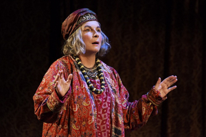 BWW Review: BLITHE SPIRIT, Duke of York's Theatre