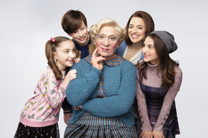 Casts of MRS. DOUBTFIRE, SIX. ANNIE Anniversary, LES MIS Reunion and More This Week on STARS IN THE HOUSE