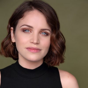 Lindsay Pearce, Nikki Blonsky, Laura Leigh Turner & More Join Instagram Live Concert to Benefit The Actors Fund