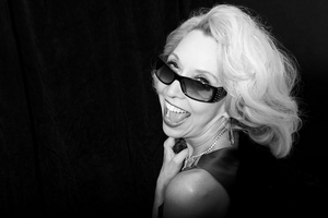 BWW Feature: At Home With Julie Halston Discussing Her New Show VIRTUAL HALSTON