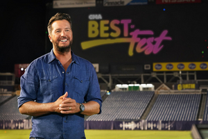 Luke Bryan Hosts CMA BEST OF FEST Tonight