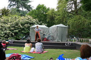 The Royal Shakespeare Company Launches Outdoor Performance Series in Dell Gardens This Weekend