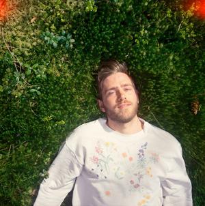 Lasse Passage Shares New Album 'Sunwards' Out Now
