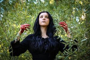 CROWJANE Releases Debut Album 'MATER DOLOROSA'