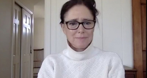 Julie Taymor Discusses Her New Film THE GLORIAS and More on Backstage LIVE With Richard Ridge