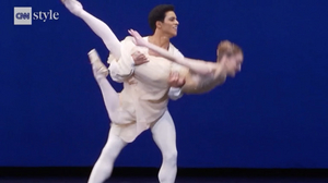 VIDEO: Royal Ballet Dancers Continue to Train in Lockdown