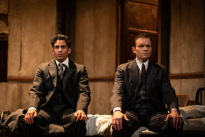 BWW Review: THE DUMB WAITER, Hampstead Theatre