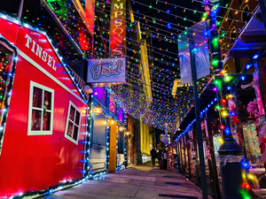 Tinsel Christmas Pop-up Bar Brings A White Christmas To 12th Street