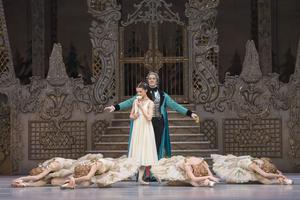 BWW Review: THE NUTCRACKER, Royal Opera House