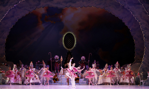 BWW Review: Houston Ballet's Virtual Program NUTCRACKER SWEETS is the Holiday Treat You Know & Love