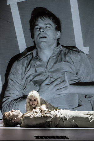 David Bowie's LAZARUS Streaming for Three Performances Only This Weekend
