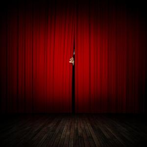 BWW Blog: Theatre - Taking A Step Back