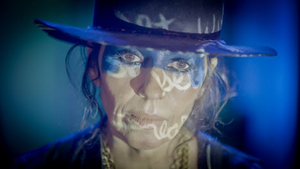 Linda Perry Releases Music For The First Time in 15 Years