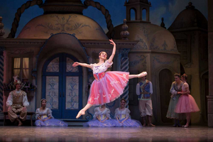"""BWW Review: PACIFIC NORTHWEST BALLET'S """"COPPELIA"""" ON THE DIGITAL STAGE Filmed at McCaw Hall"""