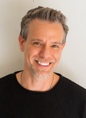 BWW Interview: Adam Pascal Brings SO FAR Solo Concert to Axelrod Performing Arts Center's Vogel Summer Concert Series 7/28-7/29
