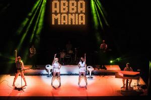 BWW Review: ABBA MANIA, Shaftesbury Theatre