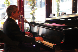BWW Review: Eric Yves Garcia Makes Movie Moods at The West Bank Cafe