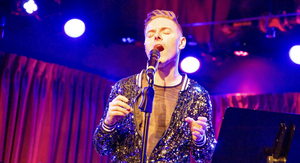 BWW Review: JUST ONE LOOK: THE SONGS OF LINDA RONSTADT. Travis Moser Salutes the Legendary Rocker at The Green Room 42