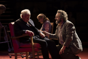 BWW Review: UNDER MILK WOOD, National Theatre