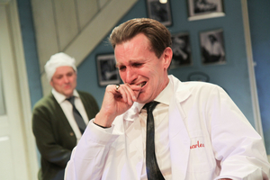 BWW Review: STAIRCASE, Southwark Playhouse