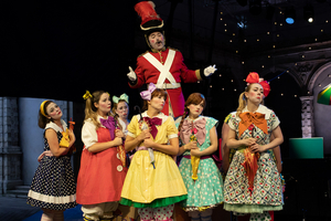 BWW Review: THE PIRATES OF PENZANCE, Opera Holland Park