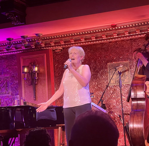 BWW Review: LIZ CALLAWAY: COMIN' AROUND AGAIN is an Enchanting Journey to the Past at 54 Below