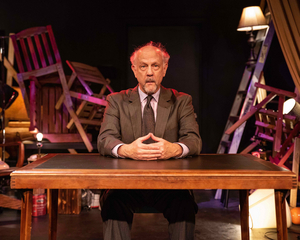BWW Review: STAND UP IF YOU'RE HERE TONIGHT Seeks a Human Connection