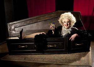 BWW Review: MYRA DUBOIS, Garrick Theatre