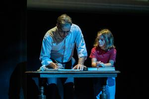 BWW Review: FUN HOME at Fulton Theatre