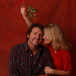 BRUCE ROBISON & KELLY WILSON Come To The Lewisville Grand Theater